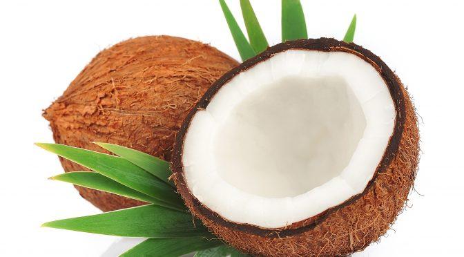 ココナッツオイル、ココナッツミルク、ココナッツウォーターって違う?